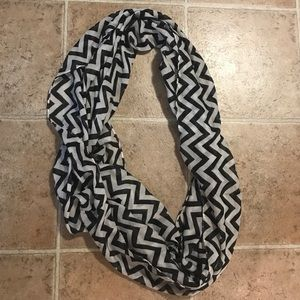 Black & White Chevron Infinity Scarf